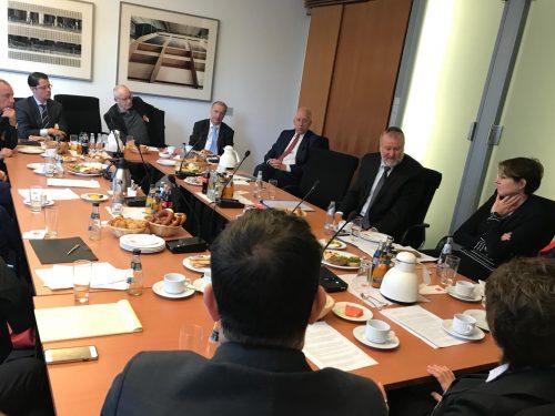 NAFFO-Frühstücks-Roundtable mit Israels Generalstaatsanwalt Dr. Avichai Mandelblit
